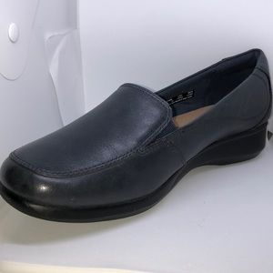 Clarks Gael Angora loafers shoes in navy blue, new